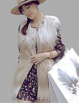 Женский На каждый день / Вечеринка/коктейль / Большие размеры Однотонный Пальто с мехом Круглый вырез,Простое Осень / ЗимаБелый / Бежевый