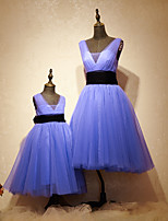 Formal Evening Dress A-line Scoop Tea-length Tulle / Charmeuse with Sash / Ribbon