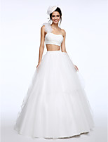 Lanting Bride® Ball Gown Wedding Dress Sweep / Brush Train One Shoulder Lace / Tulle with Flower