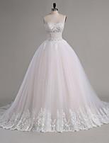 A-라인 웨딩 드레스 채플 트레인 끈없는 스타일 튤 와 아플리케 / 러플