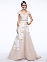 Lanting Bride® A-line Wedding Dress Sweep / Brush Train V-neck Lace / Tulle with Appliques / Button / Criss-Cross / Sash / Ribbon / Sequin