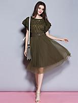 Damen Hülle Kleid-Lässig/Alltäglich Anspruchsvoll Solide Rundhalsausschnitt Midi Kurzarm Grün Polyester Sommer Mittlere Hüfthöhe