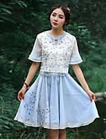 Damen Stickerei Retro Ausgehen T-shirt,Rundhalsausschnitt Sommer ½ Länge Ärmel Blau Polyester Mittel