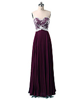 Formal Evening Dress A-line Sweetheart Floor-length Chiffon / Lace with Appliques / Draping / Lace