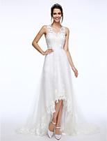 Lanting Bride® A-라인 웨딩 드레스 코트 트레인 V-넥 레이스 / 튤 와 아플리케