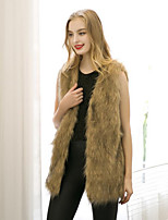 Women's Plus Size / Casual/Daily Street chic Fur CoatSolid V Neck Sleeveless Winter Yellow Faux Fur Thick