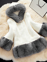 Women's Street chic Fur Coat Color Block V Neck Long Sleeve Winter White Faux Fur Thick