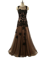 Formal Evening Dress Trumpet / Mermaid Jewel Floor-length Lace / Satin / Tulle with Appliques / Beading / Lace