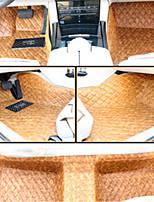 вышитый коврик ковровое покрытие автомобиля окруженный всеми кожаными подушечками