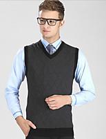 Men's Plaid Casual / Work / Plus Size VestWool / Cotton Sleeveless Gray