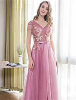 Formal Evening Dress Ball Gown V-neck Court Train Satin / Tulle with Beading / Bow(s) / Lace / Sash / Ribbon