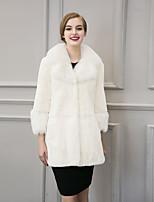 Женский На выход / На каждый день / Нарядная Однотонный Пальто с мехом V-образный вырез,Простое / Уличный стиль Зима Белый / Черный