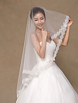 Wedding Veil One-tier Fingertip Veils Lace Applique Edge Tulle / Lace