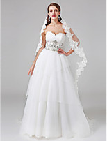 Lanting Bride® Ball Gown Wedding Dress Court Train Sweetheart Lace / Tulle with Beading / Button