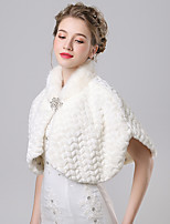 Women's Wrap Capelets Faux Fur / Imitation Cashmere Wedding / Party/Evening Button / Rhinestone