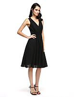 TS Couture® Cocktail Party Dress A-line V-neck Knee-length Chiffon with Appliques / Criss Cross