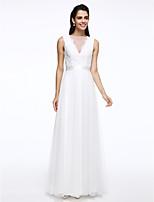 Lanting Bride® A-라인 웨딩 드레스 바닥 길이 보트넥 레이스 / 튤 와 버튼 / 허리끈 / 리본