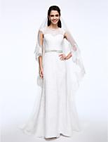 Lanting Bride® Футляр Свадебное платье С коротким шлейфом Вырез лодочкой Кружева с Кнопки / пуговицы / Пояс / лента