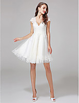 Lanting Bride® Linea-A N/D Abito da sposa - Classico Pizzo e fantasia floreale Al ginocchio A V Di pizzo / Tulle conCon applicazioni /