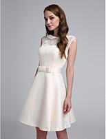 2017 Lanting Bride® Short / Mini Lace / Satin Elegant Bridesmaid Dress - A-line Jewel with Bow(s)