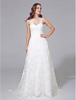 Lanting Bride® A-lijn Grote Maten Bruidsjurk - Elegant & Luxueus Kleine White Jurken / Bloemen en kant Strijksleep Met sieraad Kant met