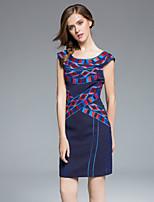 маса женщин плюс размер / выход сложные оболочки dressembroidered вокруг шеи выше колена с коротким рукавом