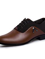 Черный / Коричневый-Мужской-Свадьба / Для офиса / Для вечеринки / ужина-Полиуретан-На плоской подошве-Удобная обувь-Туфли на шнуровке