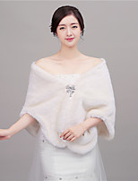 Women's Wrap Shawls Faux Fur Wedding / Party/Evening Shawl Collar Rhinestone Hidden Clasp