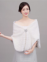 Women's Wrap Shawls Sleeveless Faux Fur Ivory Wedding / Party/Evening V-neck 46cm Rhinestone Hidden Clasp