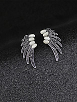 Fashion Vintage Hollow Out Opal Wings Brooch