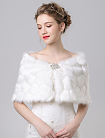 Women's Wrap Capelets Faux Fur / Imitation Cashmere Wedding / Party/Evening Button / Pattern / Rhinestone
