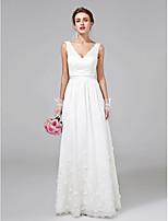 А-силуэт Свадебное платье В пол V-образный вырез Кружева с Цветы / Пояс / лента
