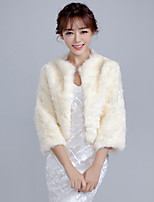 Women's Elegant Wrap Shrugs Faux Fur Wedding / Party/Evening /  Casual Solid Beige
