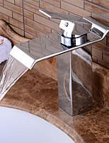 torneira pia do banheiro em estilo contemporâneo único lidar com um furo torneira de água quente e fria