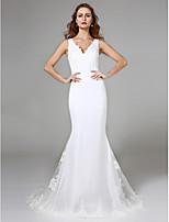 2017 Lanting Bride® Trumpet / Mermaid Wedding Dress Sweep / Brush Train V-neck Lace with Lace