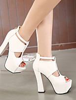 2016 models high with sandals rough with red shoes stock models black and white color 3