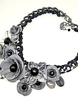 Ожерелье Ожерелья-бархатки Ожерелья с подвесками Бижутерия Свадьба Для вечеринок Круглый дизайн Цветочный дизайн Сплав 1шт Подарок Серый