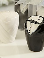 Bride And Groom Salt and Pepper Shakers Wedding Favor (Set of 2) 8.3*4*5cm/box
