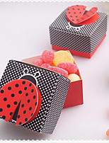 100pcs Laser Cut Cute as a Bug 3-D Wing Ladybug Wedding Favor Box Candy Boxes Gift Box Baby Shower Wedding Party Supplies
