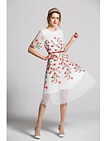 Damen Hülle Kleid-Ausgehen Lässig/Alltäglich Party/Cocktail Niedlich Stickerei Rundhalsausschnitt Midi Kurzarm Polyester Frühling Sommer