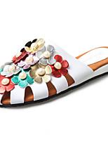 Mujer Zapatos de taco bajo y Slip-Ons Gladiador PU Primavera Verano Casual Vestido Gladiador Perla de Imitación Flor Tacón PlanoBlanco