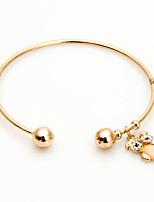 Femme Manchettes Bracelets Mode Alliage Forme de Cercle Bijoux Pour Mariage Soirée Occasion spéciale 1 pièces