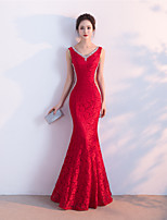 Formal Evening Dress - Sexy Trumpet / Mermaid V-neck Floor-length Lace with Beading