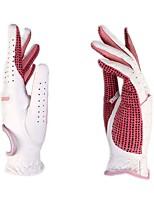 Um par de luvas de golfe mulheres
