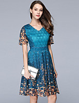 Для женщин На выход На каждый день Очаровательный Оболочка Платье С принтом,V-образный вырез До колена С короткими рукавами Полиэстер Лето