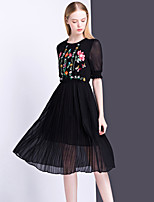 Women's Going out Casual/Daily Cute Sheath Dress,Embroidered Round Neck Knee-length Short Sleeve Polyester Summer Mid Rise Inelastic Thin