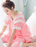 Pyjama en cuir verni
