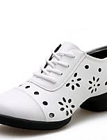 Non Customizable Women's Dance Shoes Leatherette Leatherette Dance Sneakers / Modern Sneakers Low Heel Outdoor White