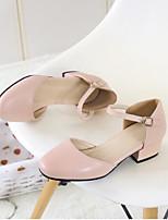 Las sandalias de las mujeres ponen la PU de la comodidad ocasional