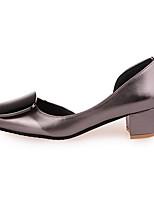 Mujer Zapatos de taco bajo y Slip-Ons Confort PU Verano Paseo Confort Talón de bloque Plata Rojo Champaña Menos de 2'5 cms